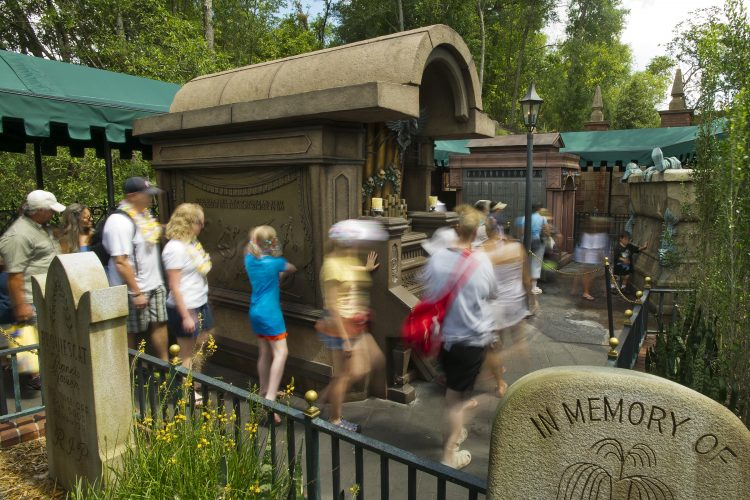 The Haunted Mansion At The Magic Kingdom!